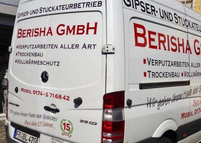 Fahrzeugbeschriftung. Lieferwagen und Transporter Beschriftung.